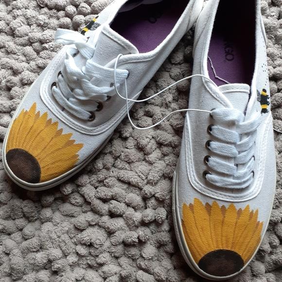 BONGO Shoes | Hand Painted Sunflower